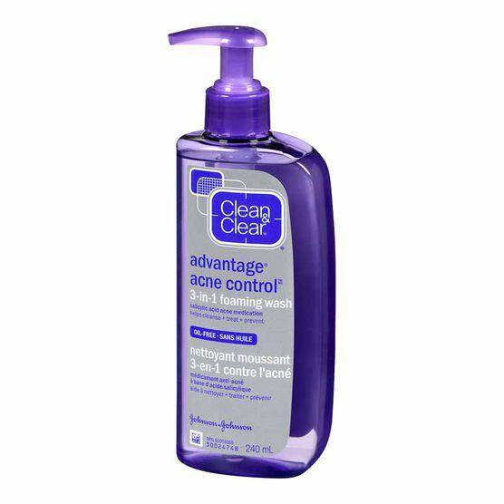 Clean & Clear Advantage 3-in-1 Foaming Acne Wash - 240ml