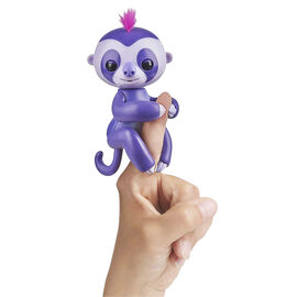 WowWee Fingerling Baby Sloth - Marge