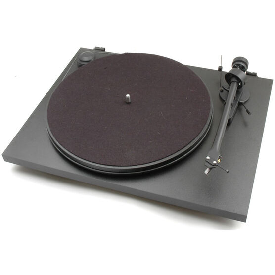 Pro-Ject Essential II OM5E Turntable