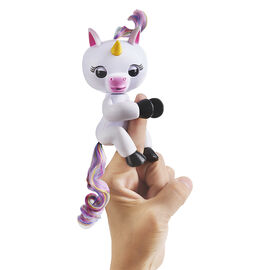 WowWee Fingerling Unicorn - Gigi